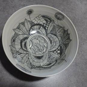 Porcelaine et crayon d'oxyde