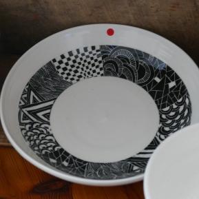 Assiette porcelaine et engobe